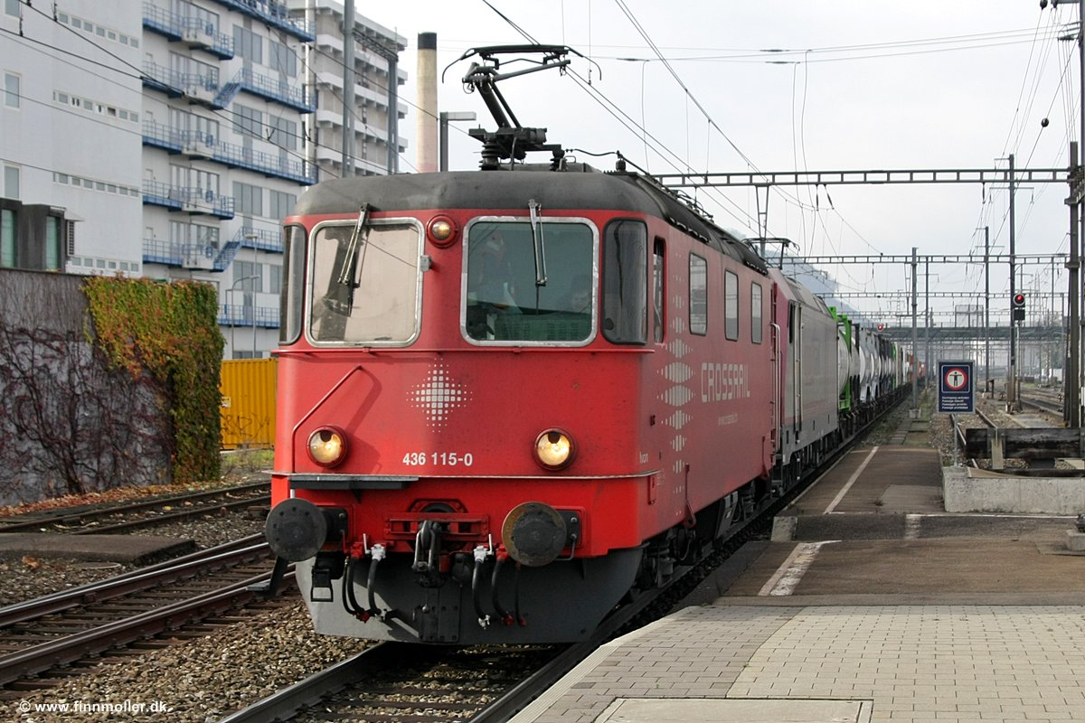 Finns train and travel page : Trains : Switzerland : Crossrail Re