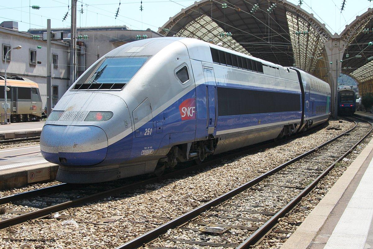 France Wednesday Amp Thursday Transport Strikes Sncf Update